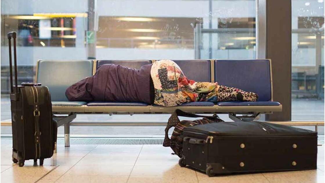 Dormir à l'aéroport : pourquoi et comment?